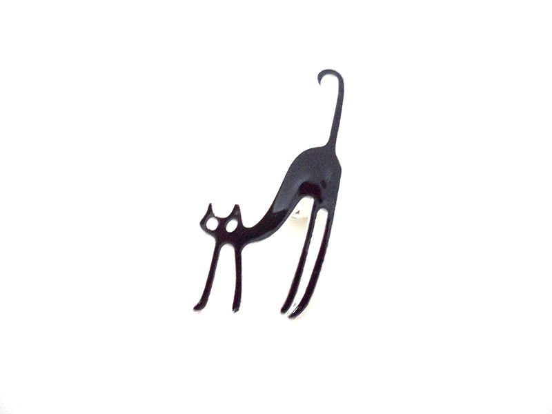 Win a Lucky Black Cat Brooch This Halloween!
